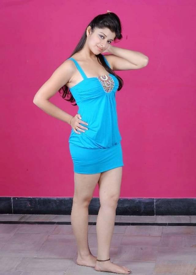 Под юбкой у индийских актрис фото 414-6