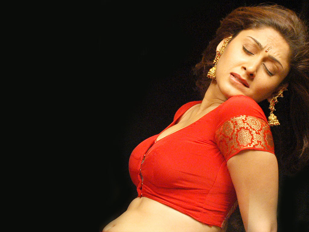Manjari Hot Stills In Red Saree  Craziest Photo Collection-4493