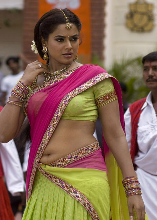 Simple Sexy Indian Women In Saree | Craziest Photo Collection