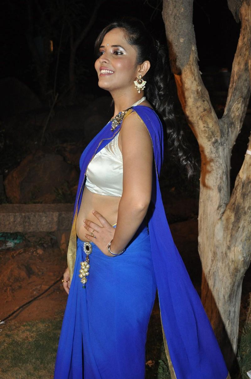 South Indian Anasuya Hot Saree Stills Craziest Photo Collection
