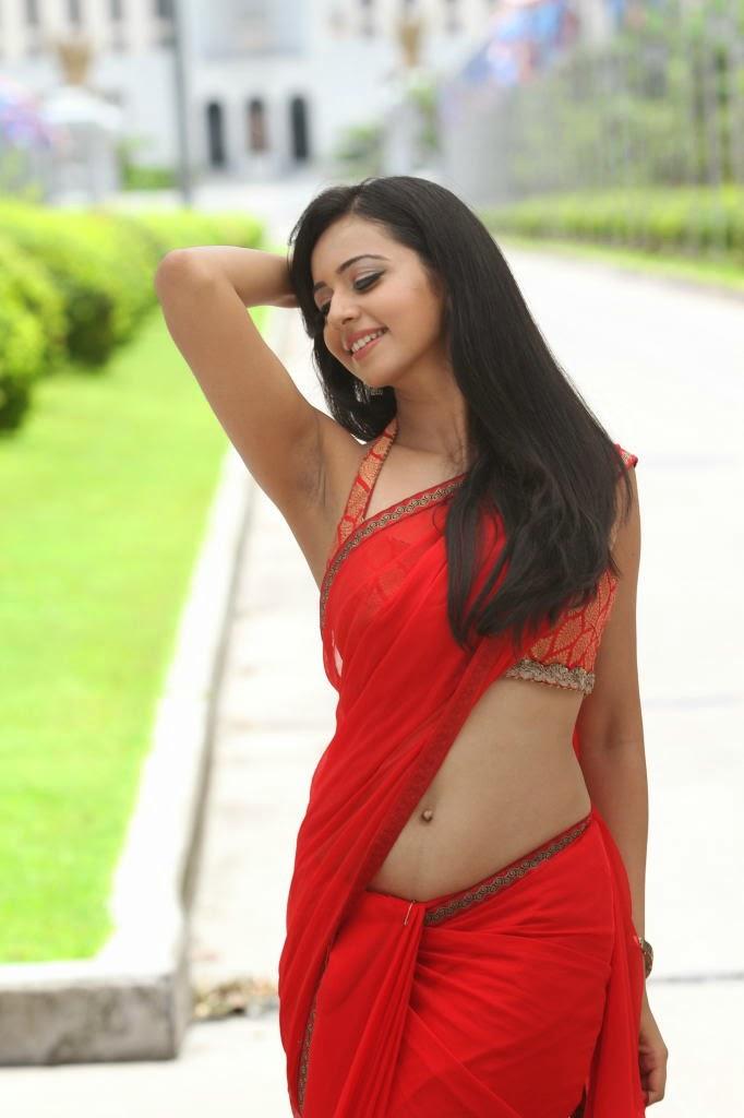 Rakul Preet Singh navel show