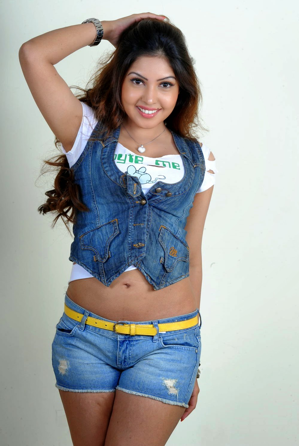 Komal Jha actress navel show