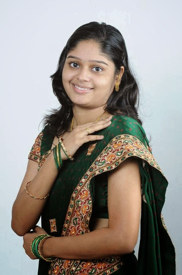 31 Indian Housewives And Girls In Saree  Craziest Photo Collection-9247