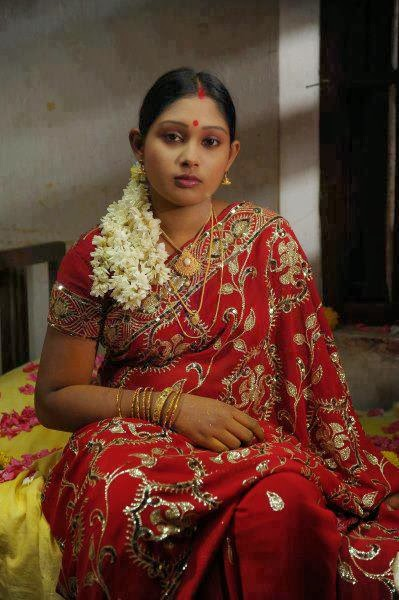 31 Indian Housewives And Girls In Saree  Craziest Photo -5490