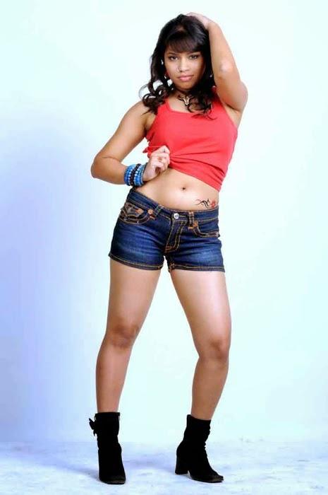Asha actress navel show