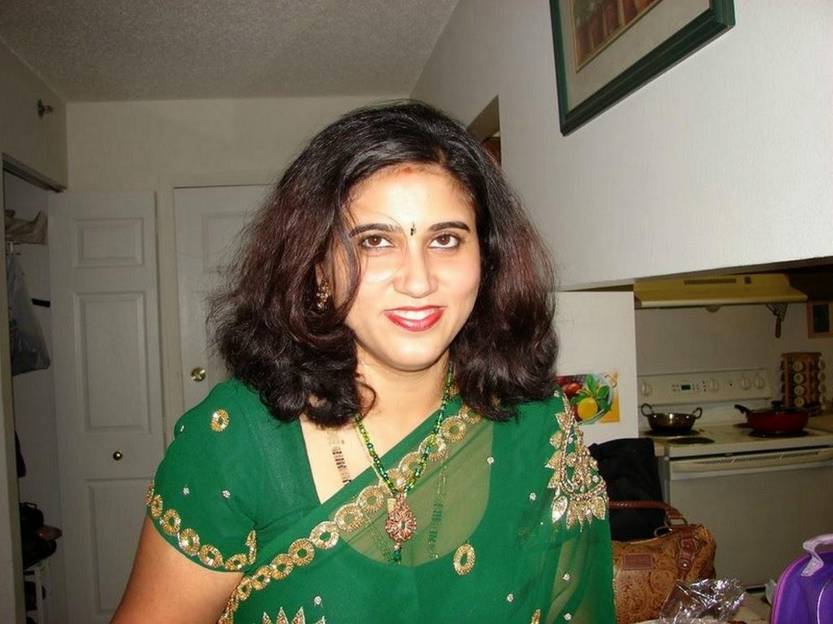 Indian bhabhi green dressed