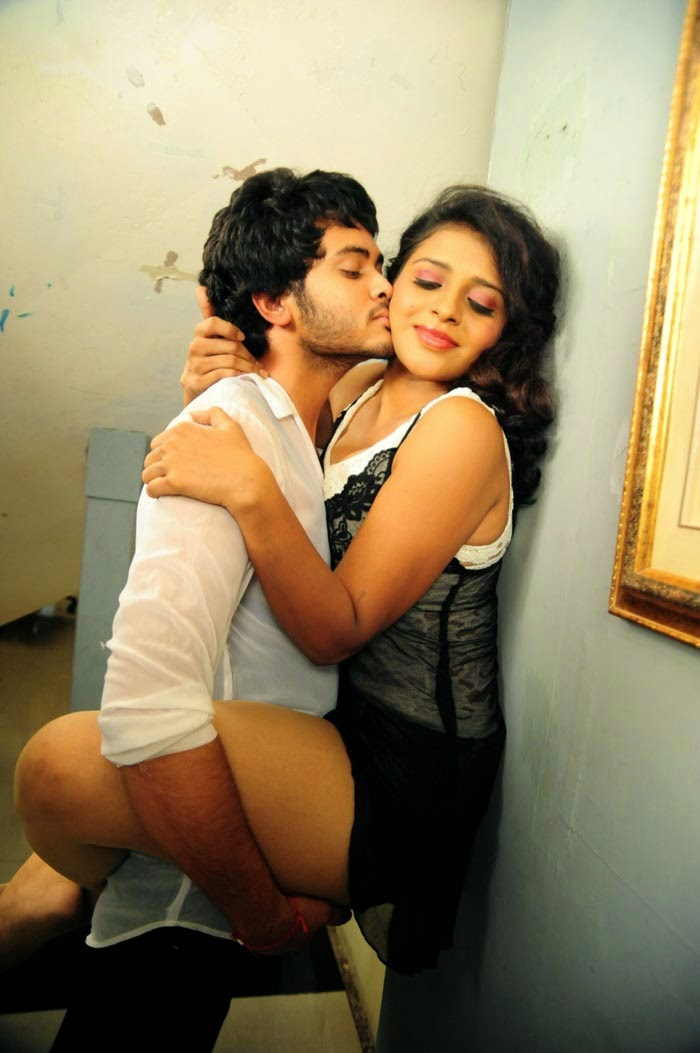 Hot Scenes From Movie Amma Nanna Oorelithe  Craziest -5854