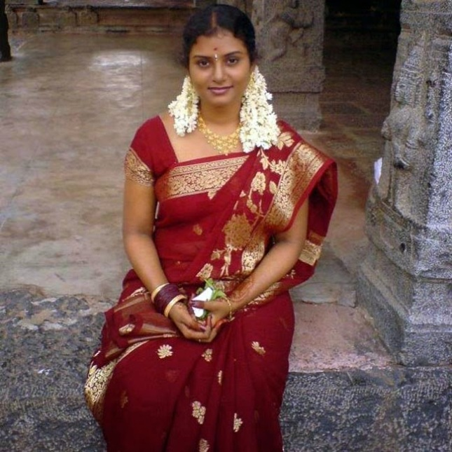 26 Latest Photos Of Indian Housewives  Craziest Photo -4666