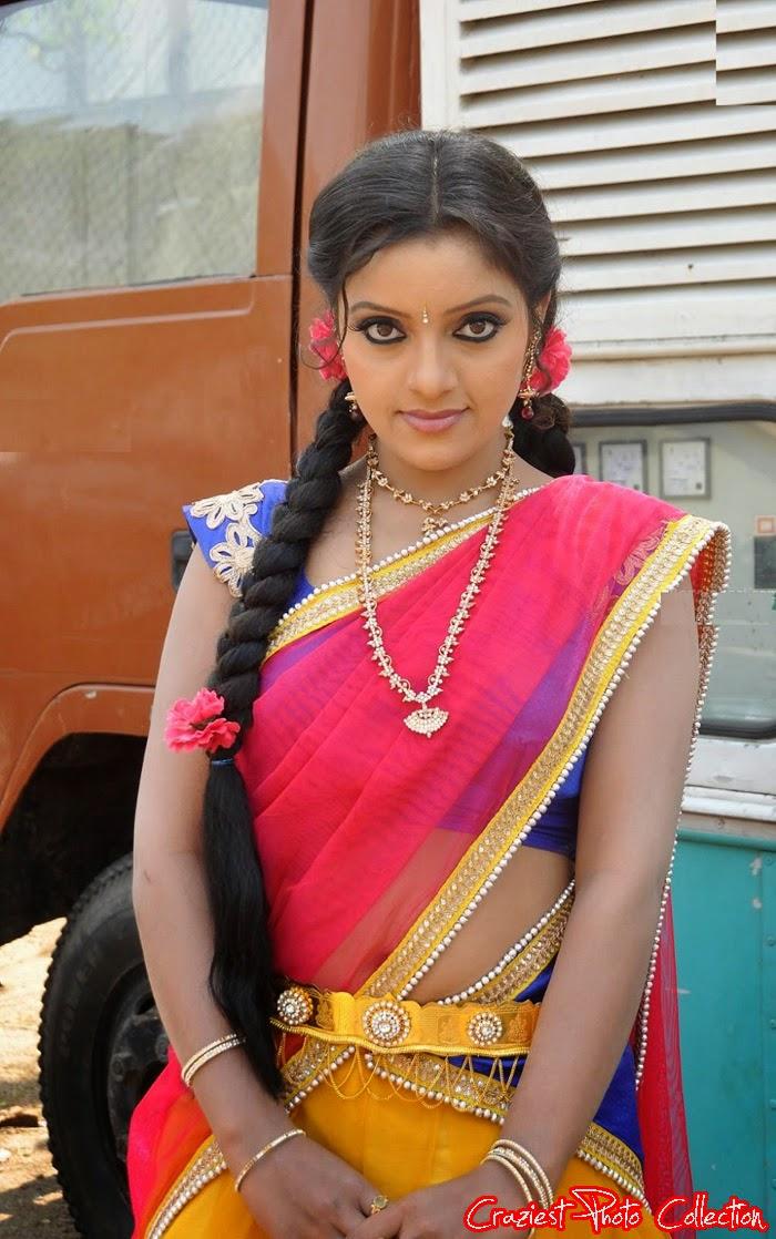 Amusing South indian actress hot in saree amusing
