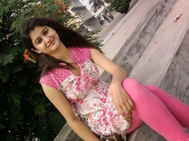 karachi single girls Find pakistani single girls with loveawakecom more than just a free dating site, we find compatible female matches for you from pakistan review our personals for free and without registration.