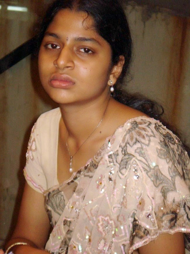 Hot Telugu House Wife