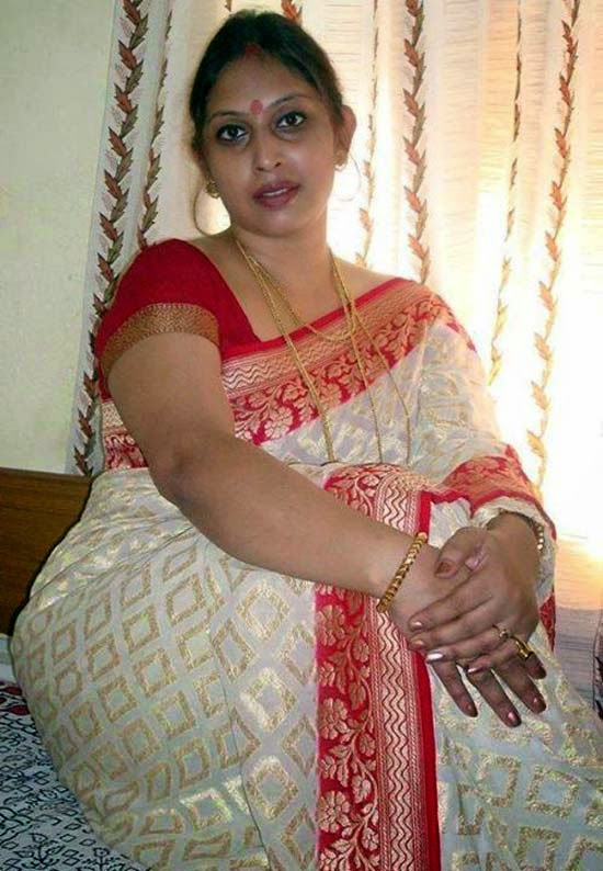 25 Latest Photos Of Indian Housewives  Craziest Photo -4300
