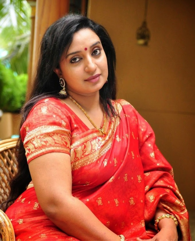 Photo Gallery: 27 Hot Photos Of Mallu Actress Sona Nair