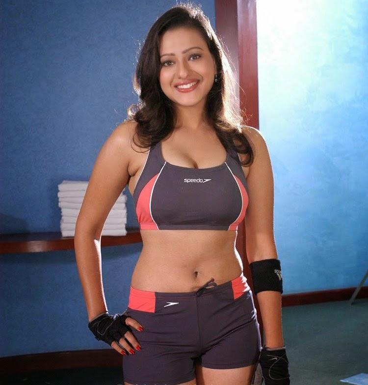 Madalsa Sharma navel show