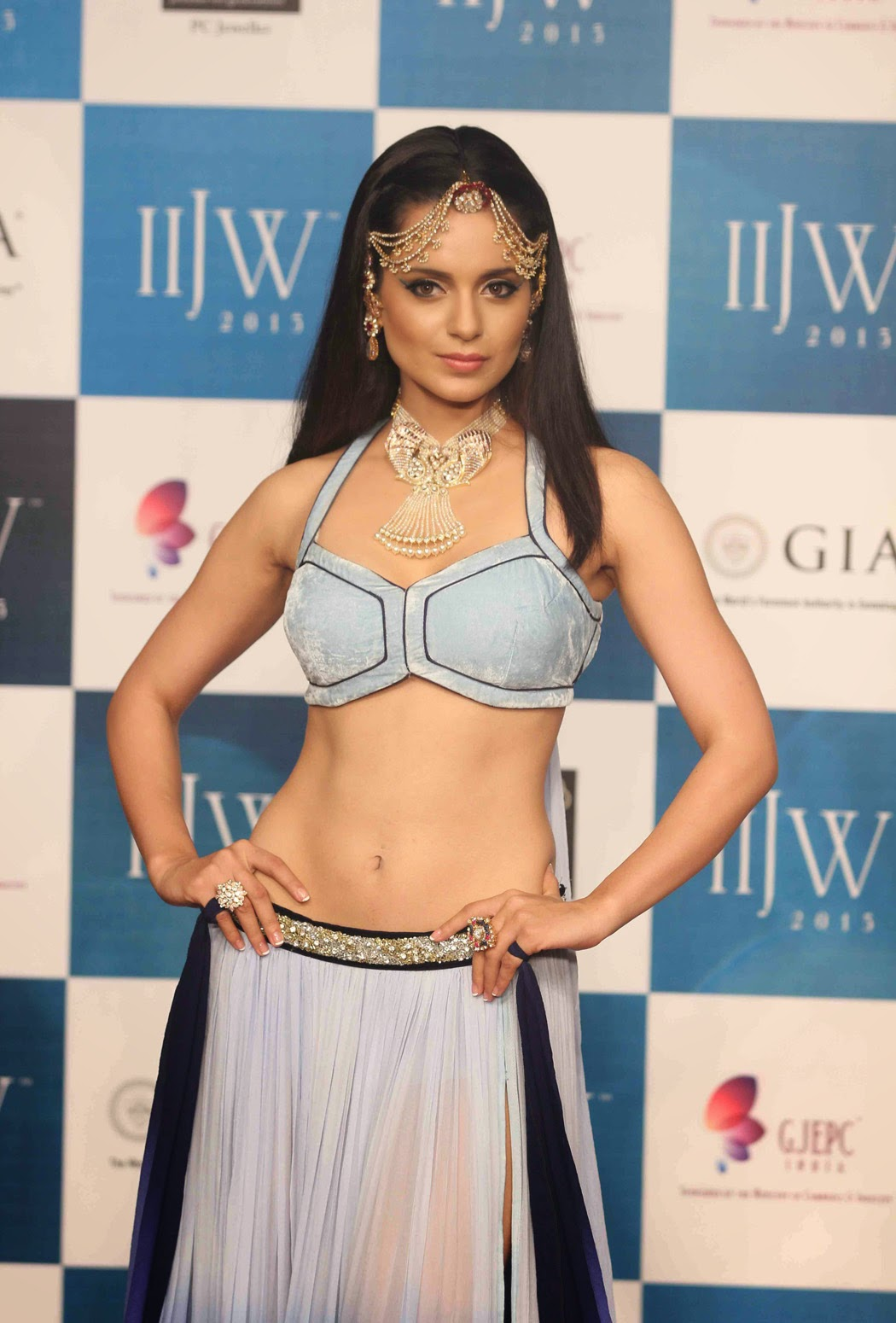 Kangana Ranaut actress navel show