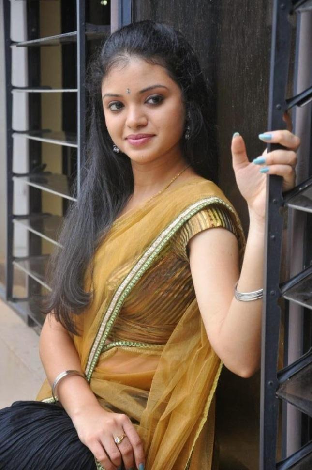 Hot Stills Of South Indian Actress Supraja In Saree