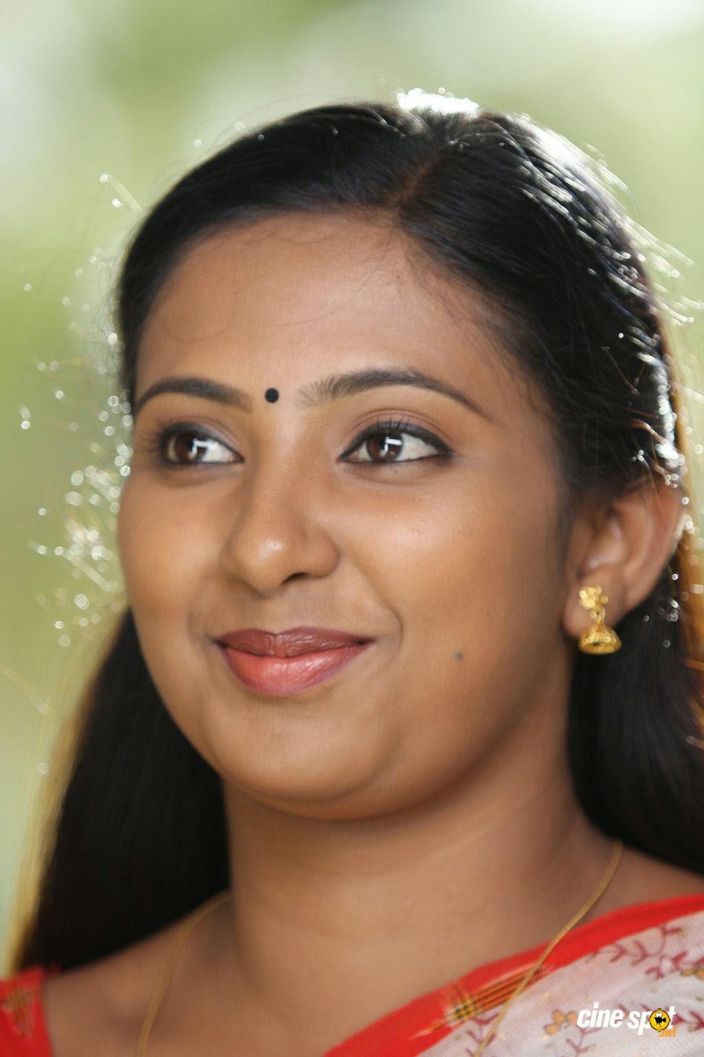 Malayalam Serial Actress Niya In Saree  Craziest Photo -1253