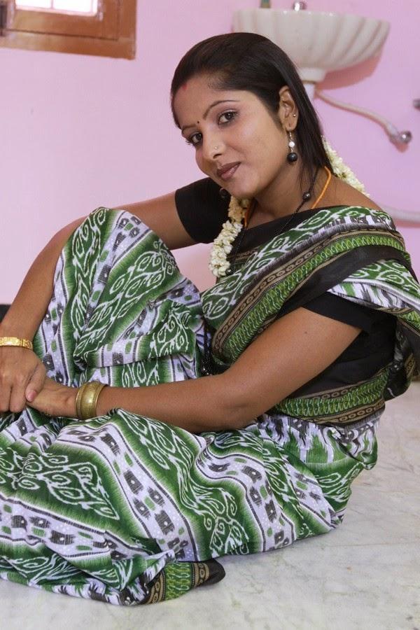Tamil aunty hot village woman