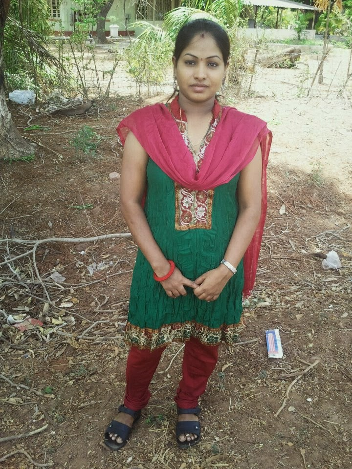 Dashing bhabhi hot housewife