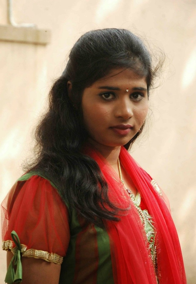 14 Beautiful Real Life Photos Of South Indian Girls -3865
