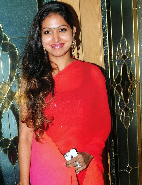 South Indian red dressed bhabhi