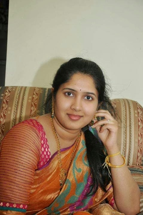 South Indian chubby aunty