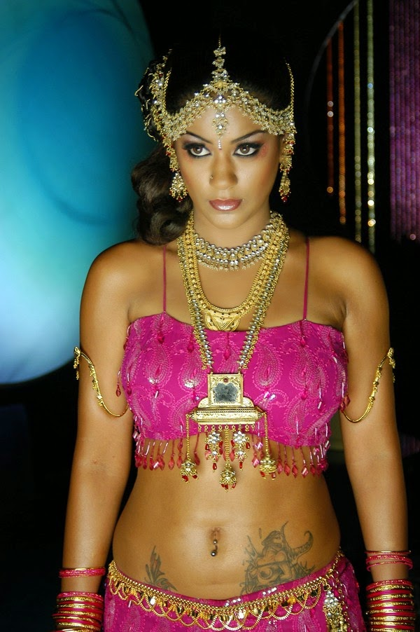 Navel show Mumaith Khan